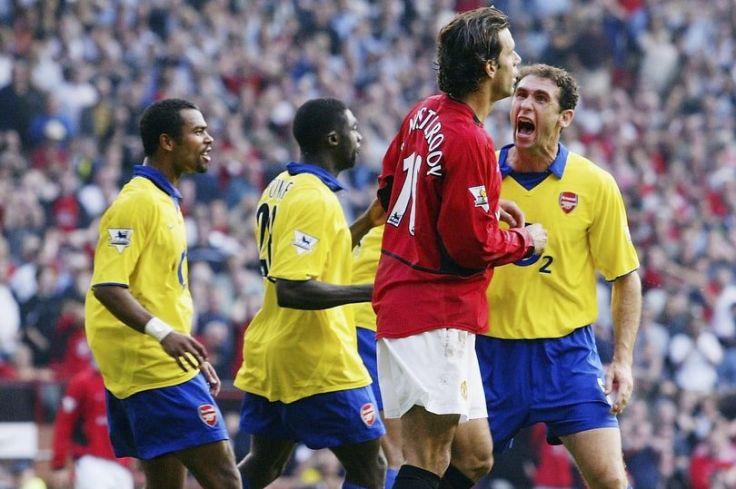 Martin-Keown-and-Ruud-Van-Nistelrooy-argue.jpg